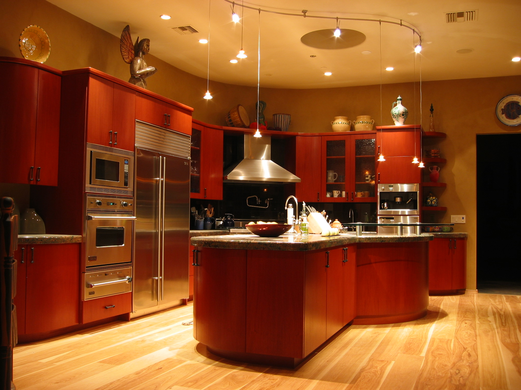 Illuminated custom kitchen lighting