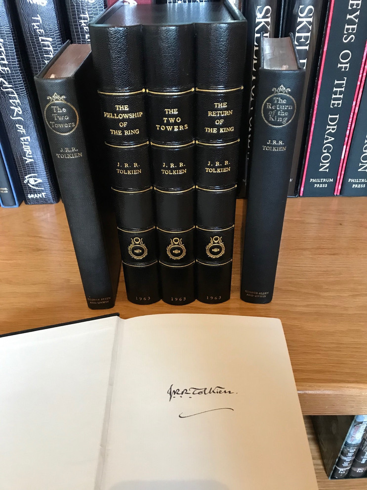 Deluxe Set of Lord of the Rings.