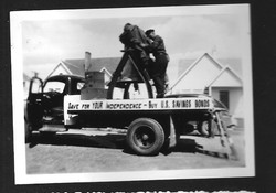 Liberty bell replica visited in 1950