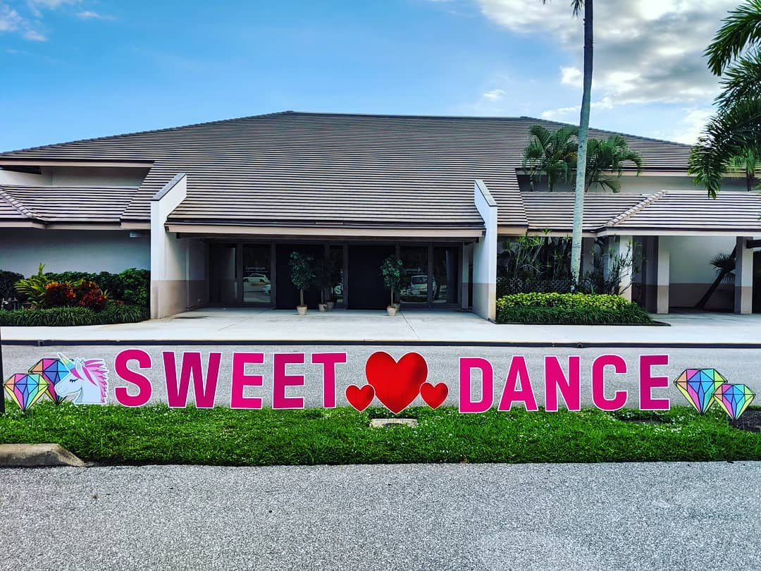 SRCS Sweet Heart Dance 2019 Yard Card