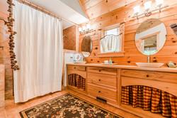 Nicely Sized Bathroom