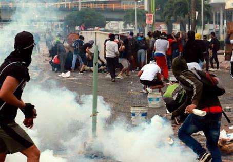 Sexto día de enfrentamientos en Colombia