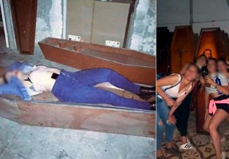 Santa Fe: Hicieron una fiesta en el cementerio y se sacaron fotos con los ataúdes