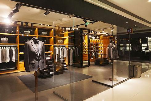 WENGAGE-Brichure-store-image-background-
