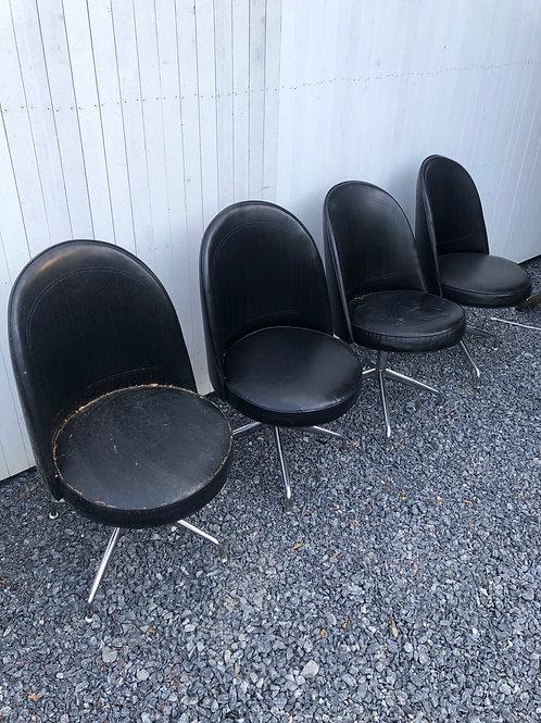 Set of 4 vintage chairs vinyl is great(in need of base repair welding perhaps)