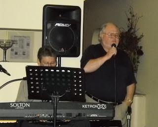 "My ""Honky Tonk"" Man Sings at Maritime Restaurant"