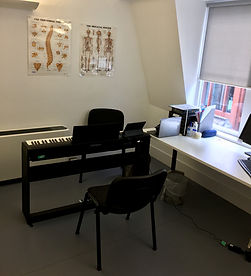 Vocal Rehabilitation Studio for singers with a vocal injury like nodules, polyps, cysts, sulcus, or mucle tension imbalance or dyshponia.
