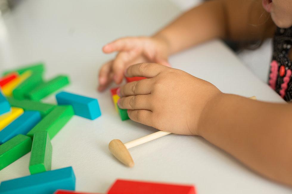 Kreativ Spielen in der Kita Little Frogs