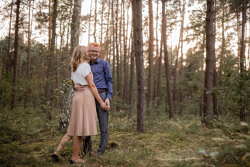 007-fotograf-sesja-narzeczenska-w-lesie-