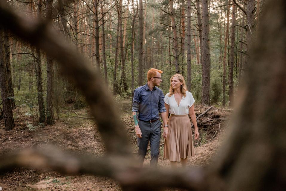 005-fotograf-sesja-narzeczenska-w-lesie-