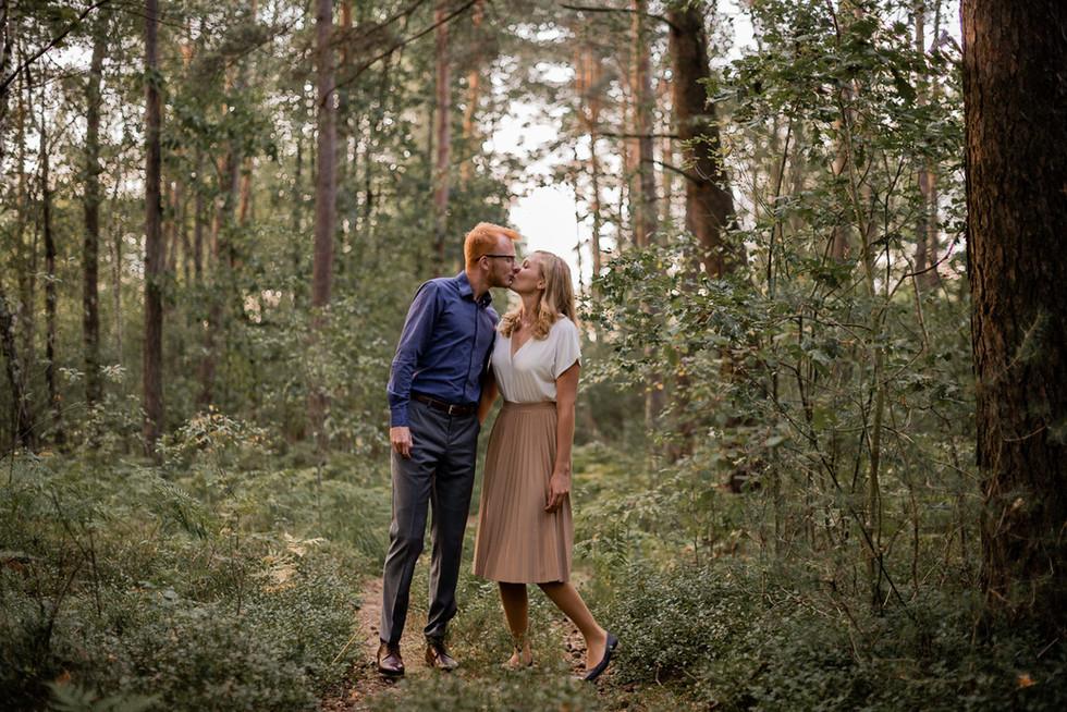 015-fotograf-sesja-narzeczenska-w-lesie-