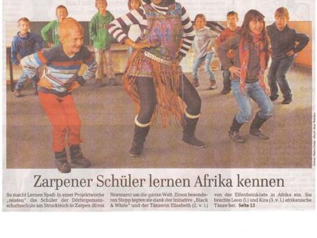 """Zarpen  Schwarz-weiße Begegnung in Zarpen  """"Wir sind Kinder einer Welt"""": Jeden Tag gingen die Grunds"""