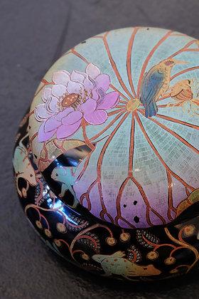 Frogs and Bird on Lotus Japan box
