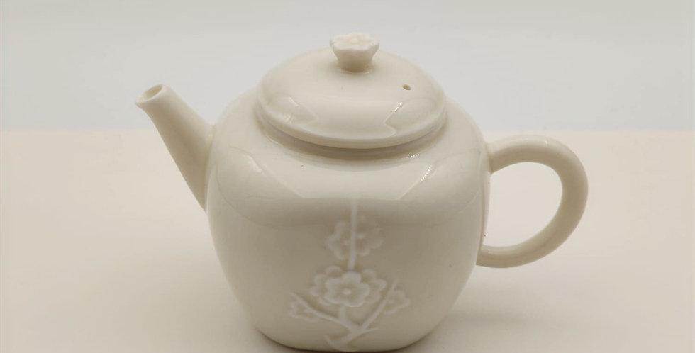 Dehua Cherry-blossom-patterned Teapot with an Ash Glaze