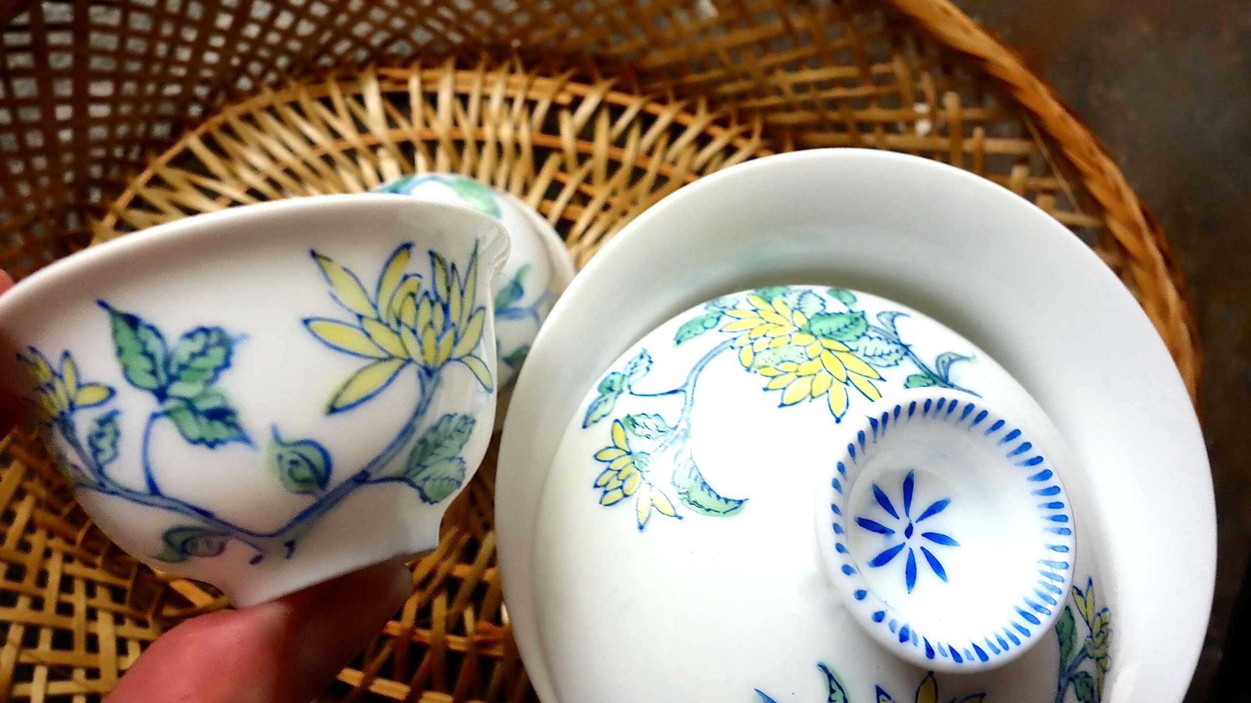 Chinese covered teacup sets