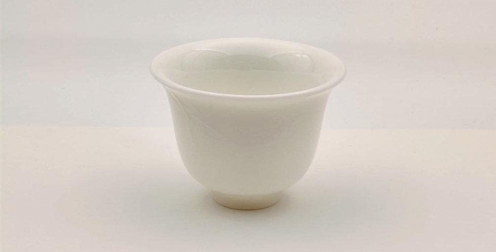 Dehua Cherry-blossom-patterned Teacup