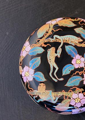 Frogs in Midsummer circular box