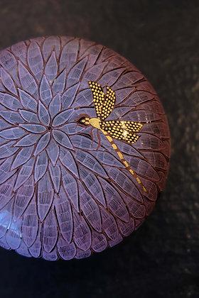 A Dragonfly in Midsummer Dahlia circular box