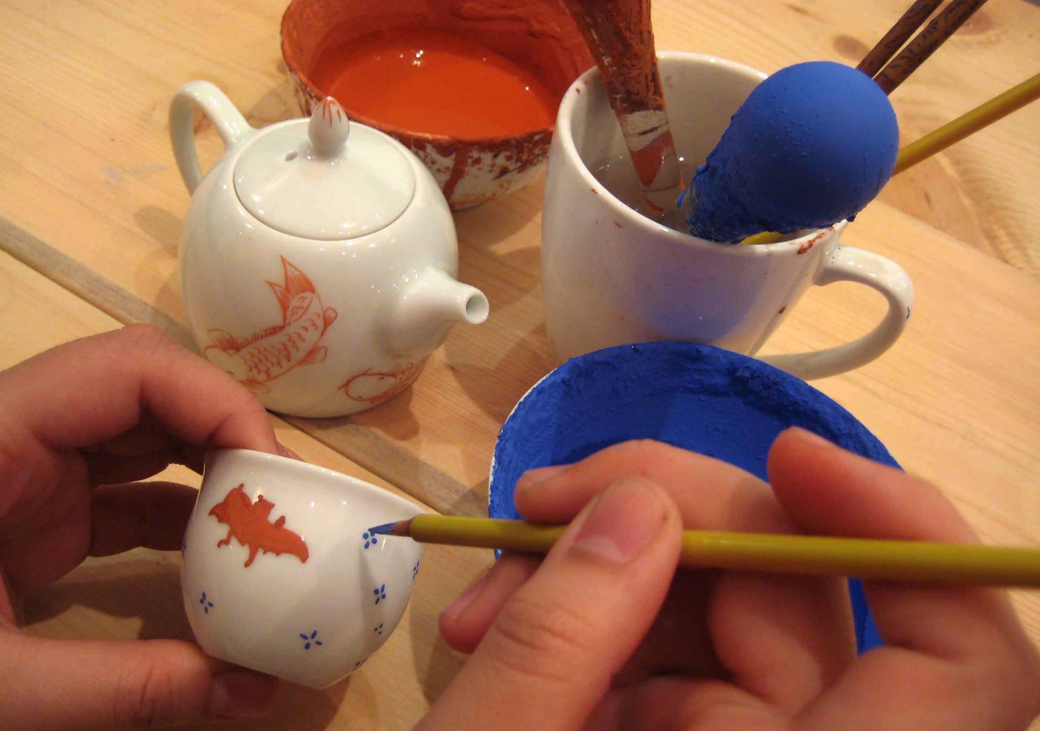 Workshop on Overglaze-painted Teaware