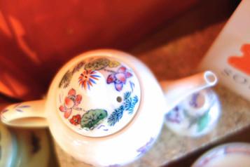 Handpainted Porcelain in Hong Kong