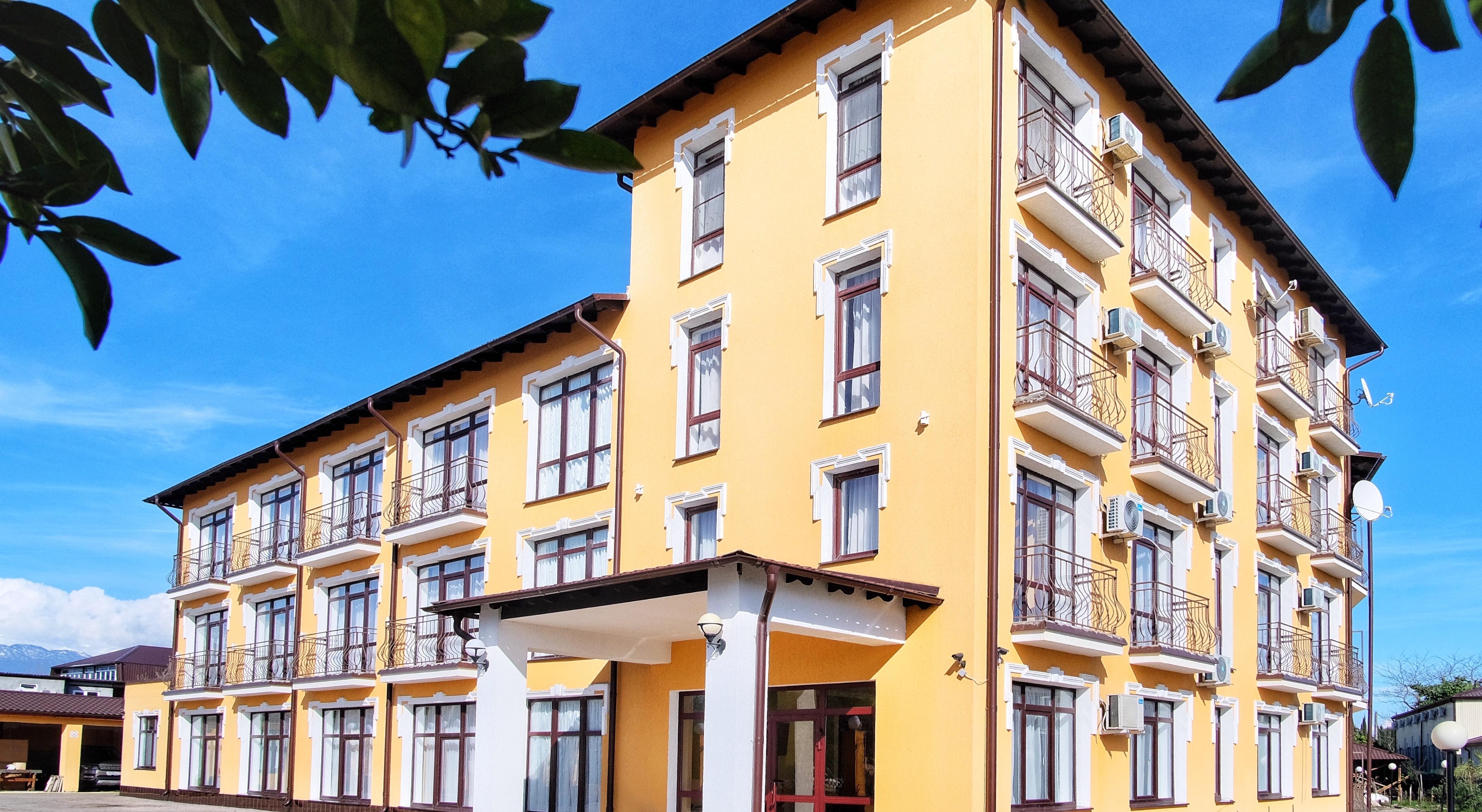 Отель папа фасад, главный вход