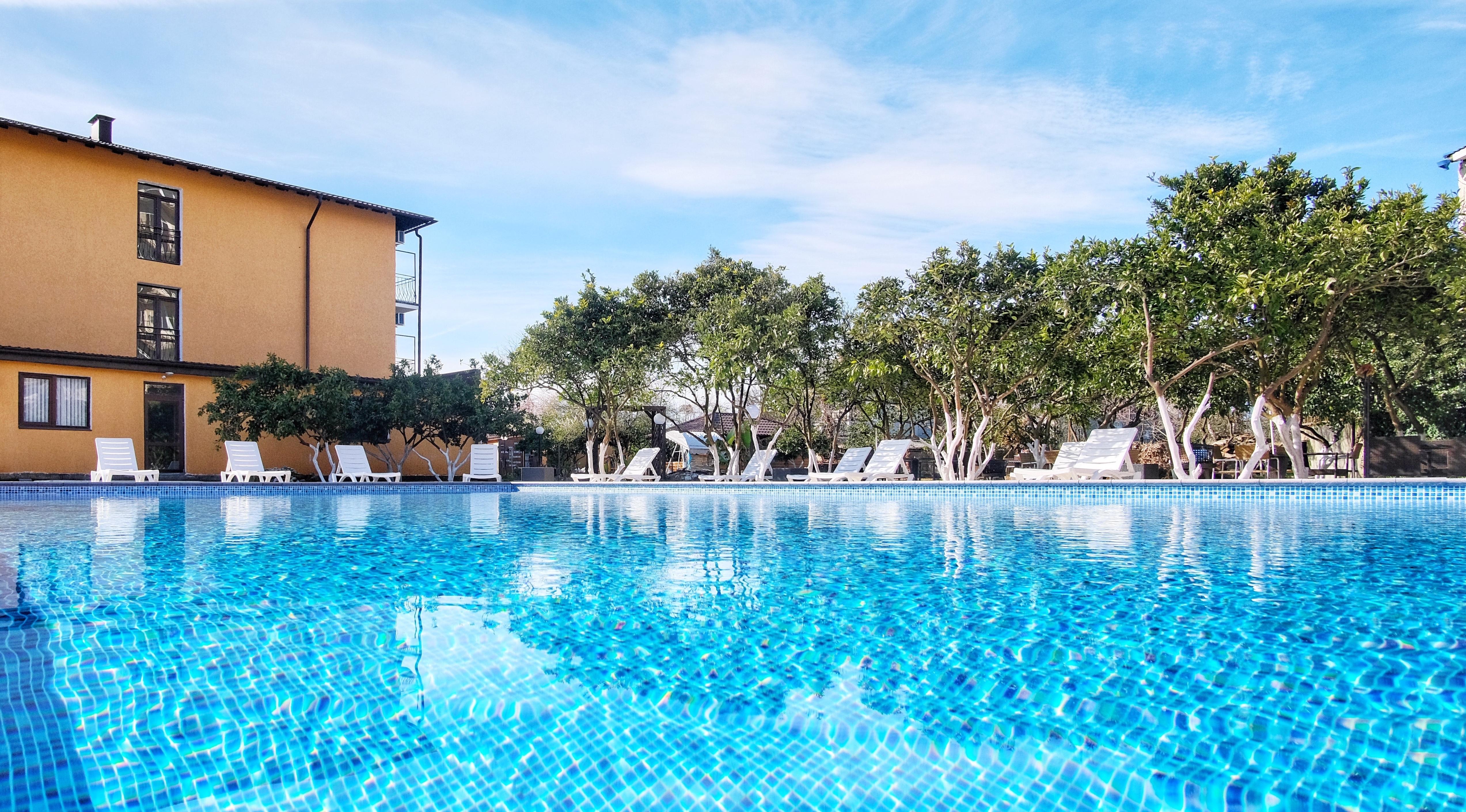 Отель ПАПА бассейн и внутренний двор