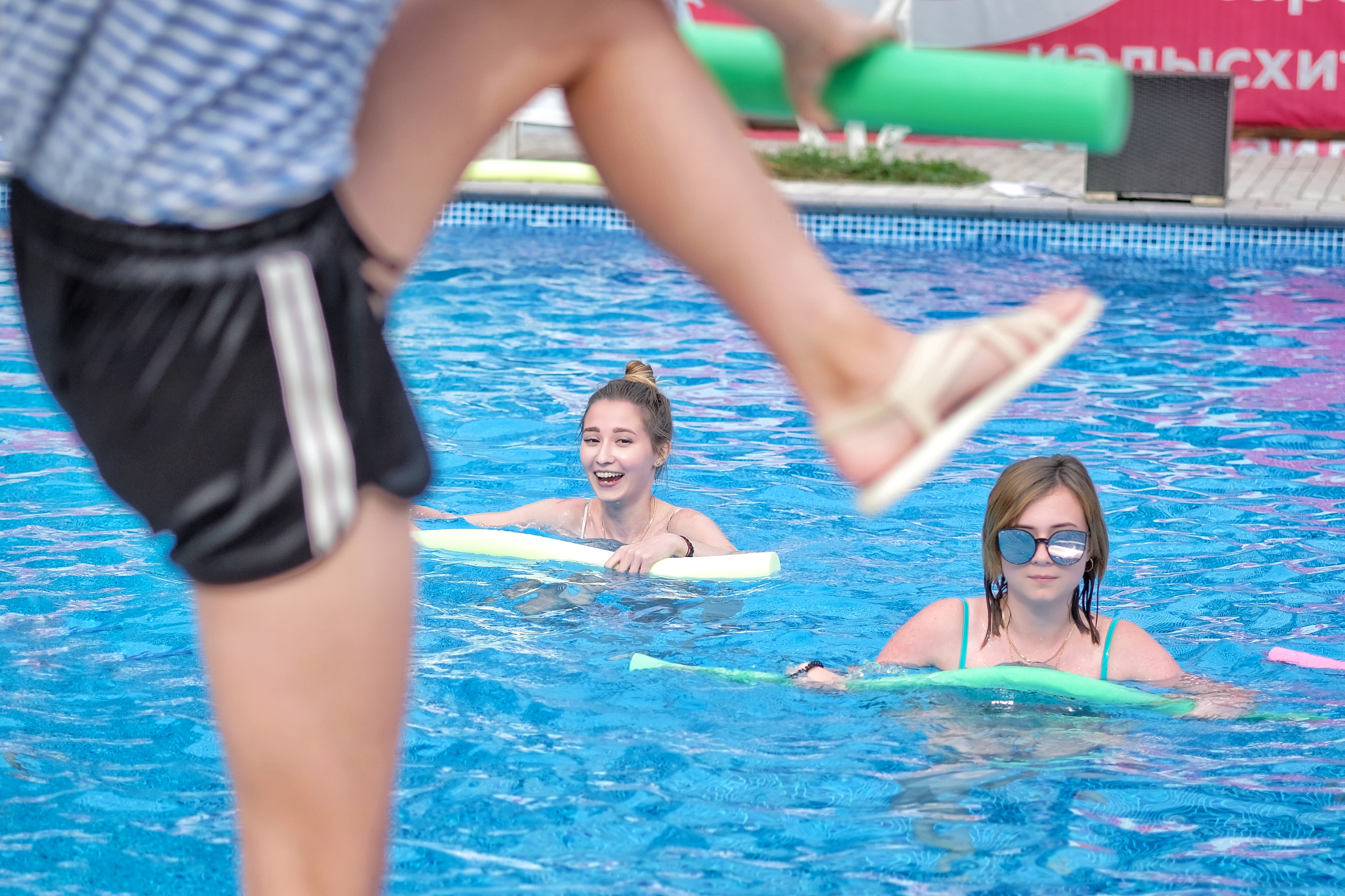 Отель ПАПА аквааэробика в бассейне