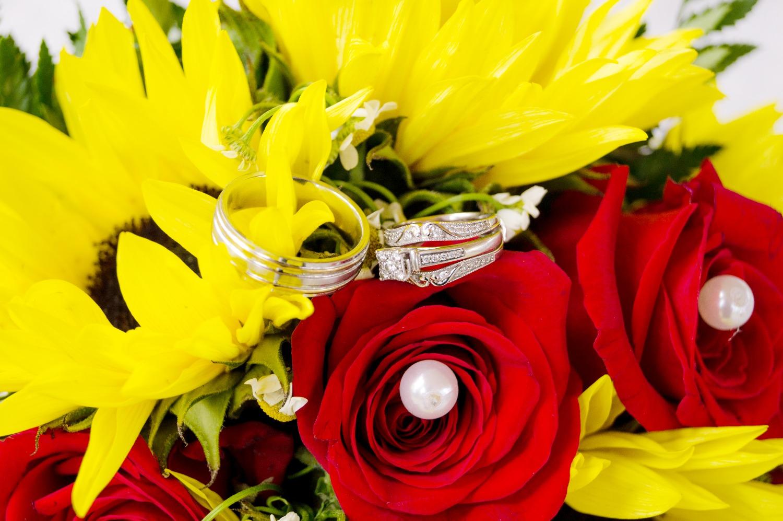 Rings & bouquet