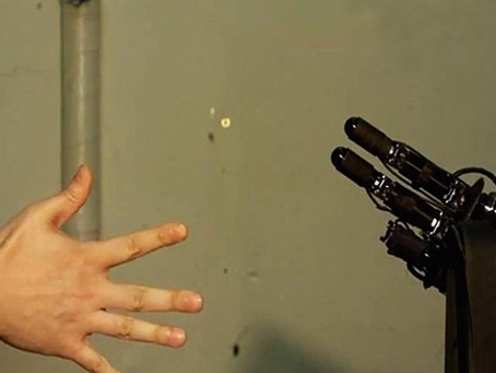 THE NEW KING OF ROCK, PAPER, SCISSORS …IS A ROBOT?