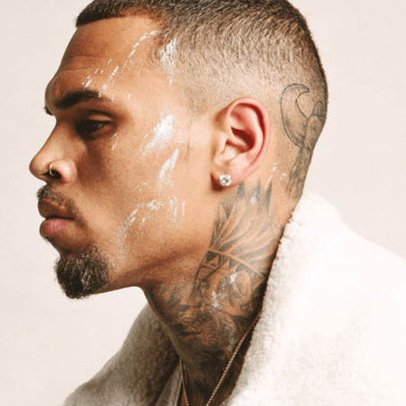 """CHRIS BROWN'S PUBLICIST SAYS, """"ANNA WINTOUR DOESN'T F&#K WITH YOU"""""""