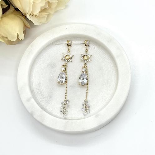 Queen of Snow Bridal Earrings