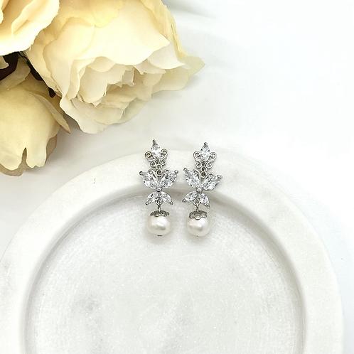 Princess Butterfly Bridal Earrings (fresh water pearl)