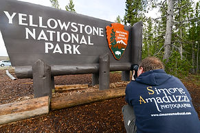 Simone Amaduzzi photographing Yellowstone National Park