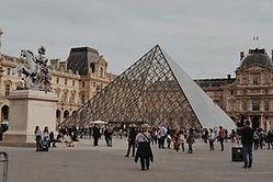 louvre-museum-parijs-1584363860.jpg