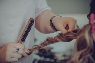 coiffure-preparatifs-mariee.jpg
