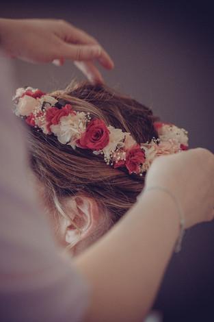 coiffure-couronnes-fleurs-mariee.jpg