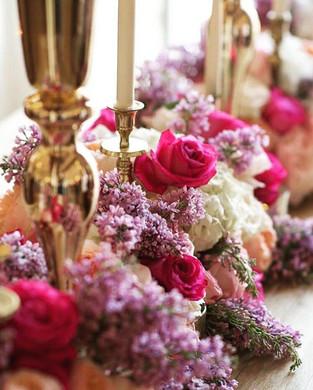 chemin-table-mariage-fleurs.jpg