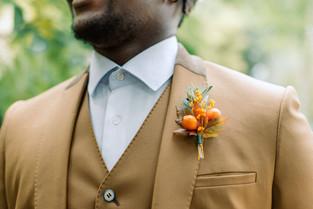 boutonniere-fleurs-garcon-honneur.jpg