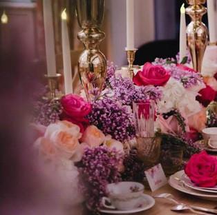 chemin-table-fleurs-mariage.jpg