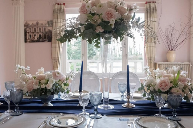 decoration-centre-table-mariage-bleu.jpg