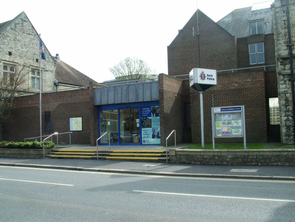 Maidstone police station - police station agent