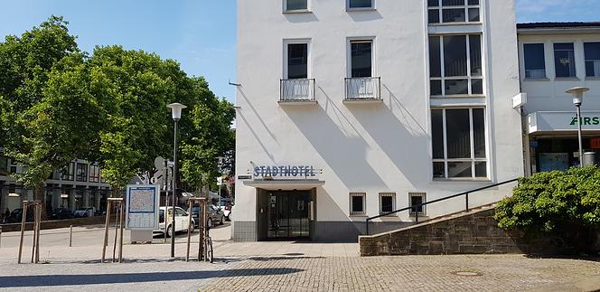 Stadthotel Eingang.png
