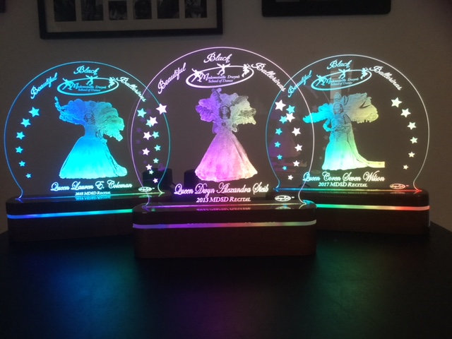 """2018 Recital Large Round """"STARS"""" SwagLyte with Deluxe Lighted Exotic Wood Base"""