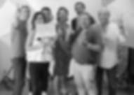 Tournage toulousain à Heladon. L'équipe : réalisateur Jean-Michel, Franck chef opérateur, directrice de production Laurence, Franck montage et effets spéciaux, Professeur chercheur Georges, Bruno illustrateur.