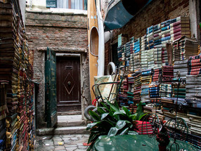 5 Bookstores I'd love to visit