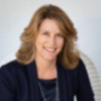 Julie McKinney mortgage broker headshot