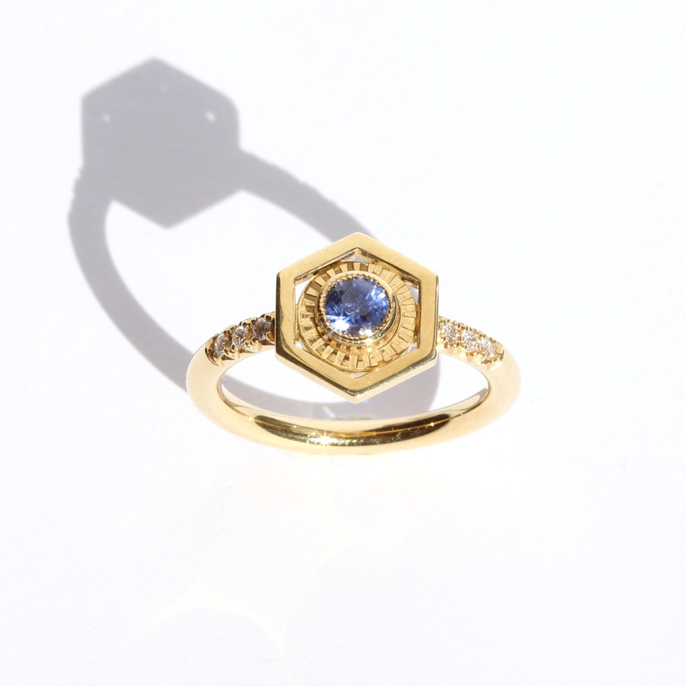 Saphir-Sechseck-Ring