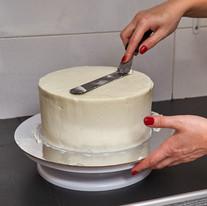 ירוסלבה. קונדיטורית ומעצבת עוגות.