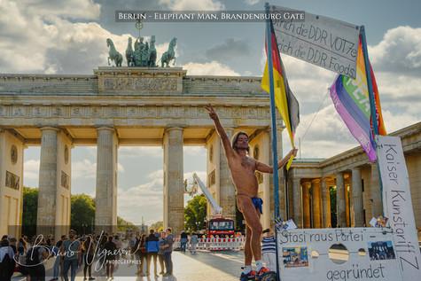 Elephant Man, Brandenburg Gate