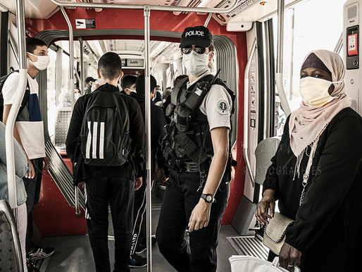 Lyon - police check the masks in public transport